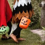 ハロウィーンのかぼちゃと子供